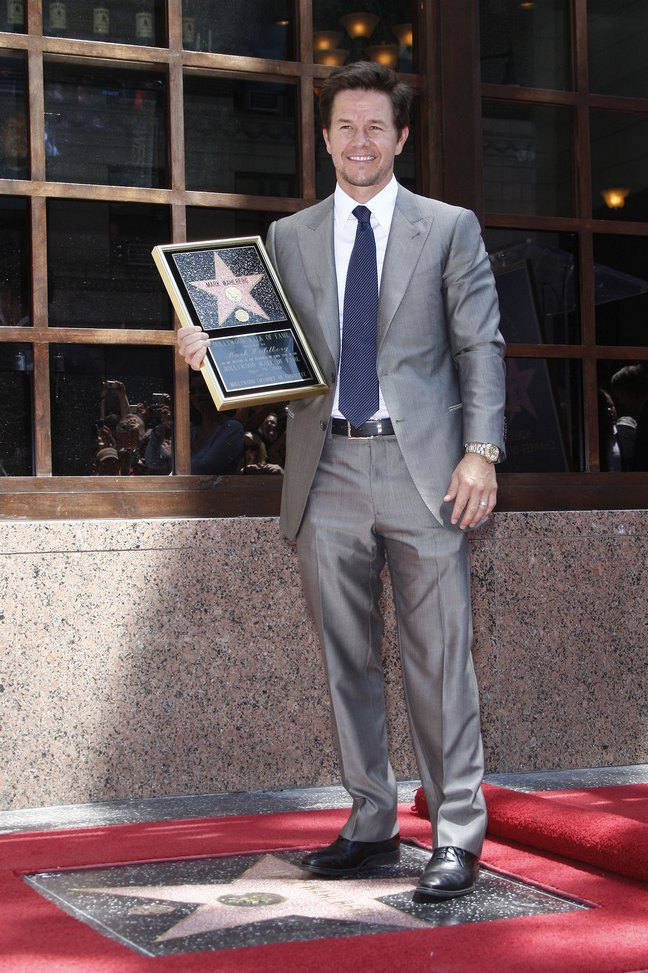 Mark Wahlberg, Grey Suit