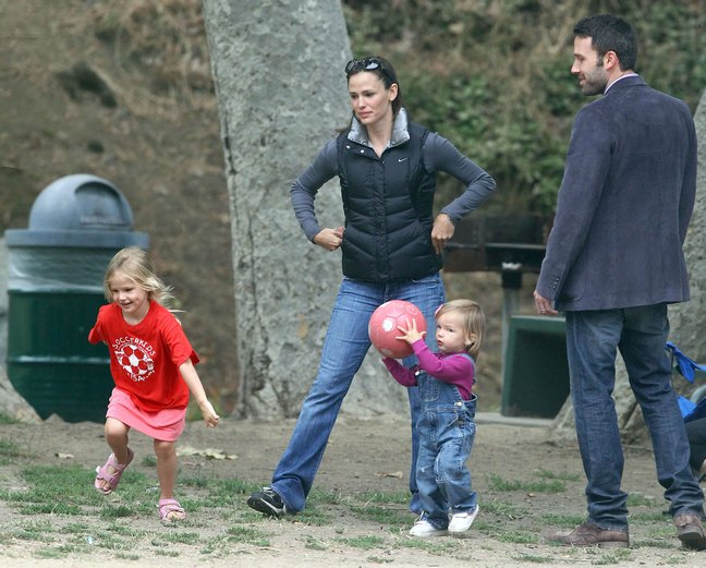 Jennifer Garner And Ben Affleck Take Their Girls To Soccer Practice