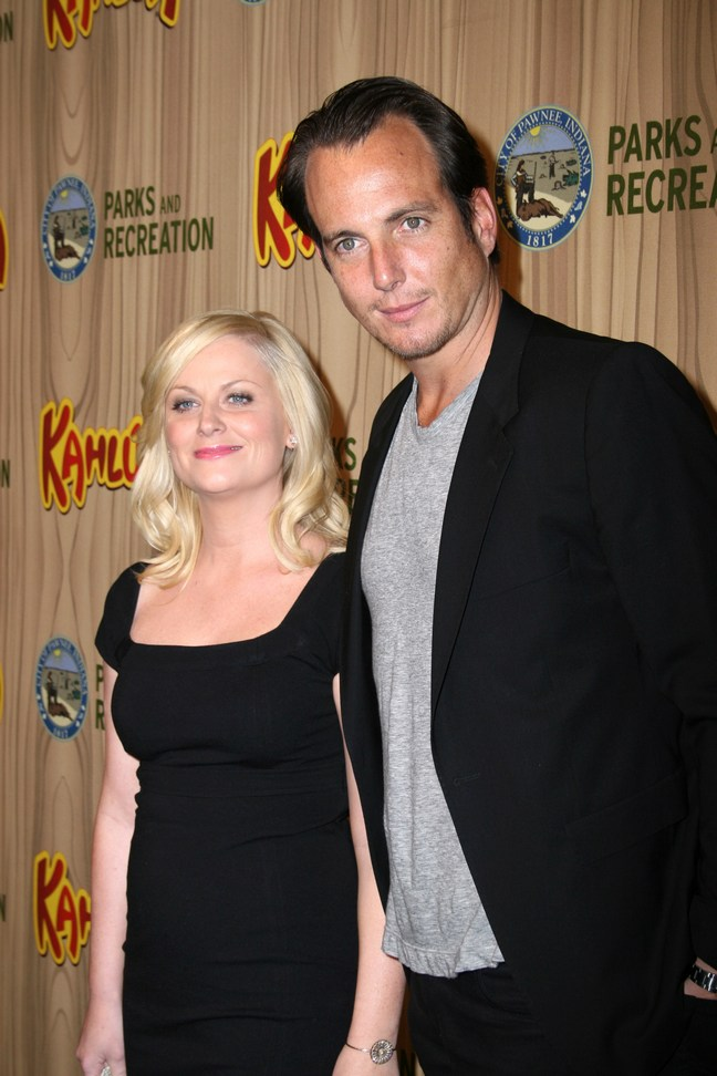 Amy Poehler, black dress, Will Arnett, Black suit jacket, gray tshirt