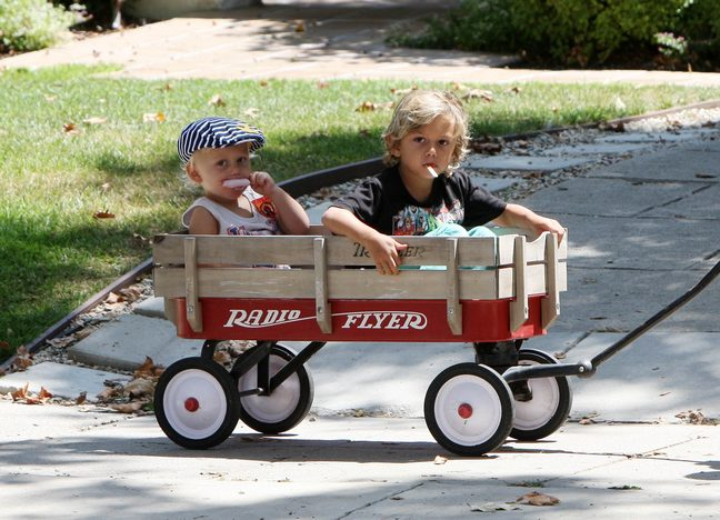 Zuma Rossdale, Kingston Rossdale, wagon ride