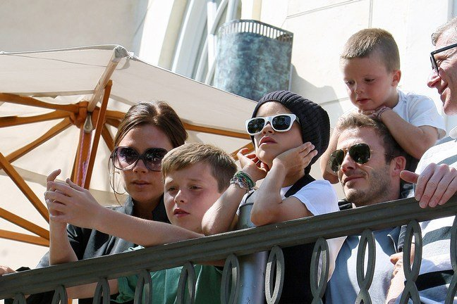 Victoria Beckham, sunglasses, black jacket, David Beckham, sunglasses, Romeo, Cruz, Brooklyn
