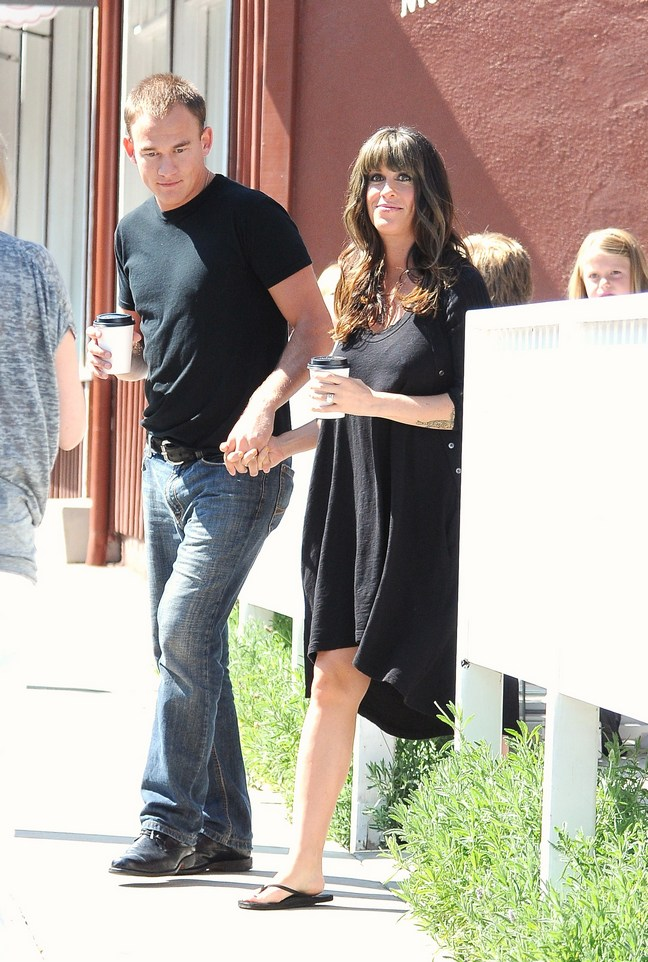 Alanis Morissette, Black dress, flip flops, coffee, Mario Treadway