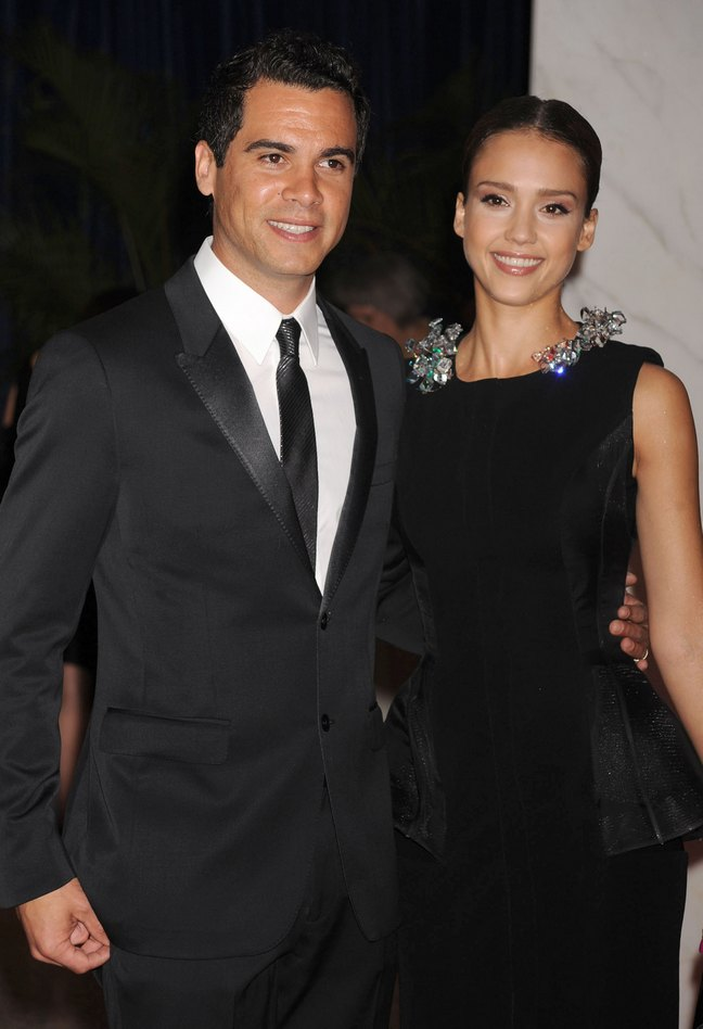 Jessica Alba, black dress, jeweled neckline, Cash Warren, Black suit