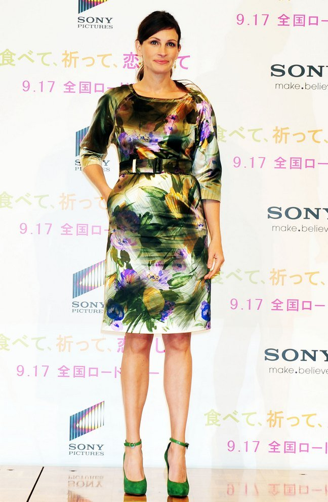 Julia Roberts Dries Van Noten floral print dress, green heels