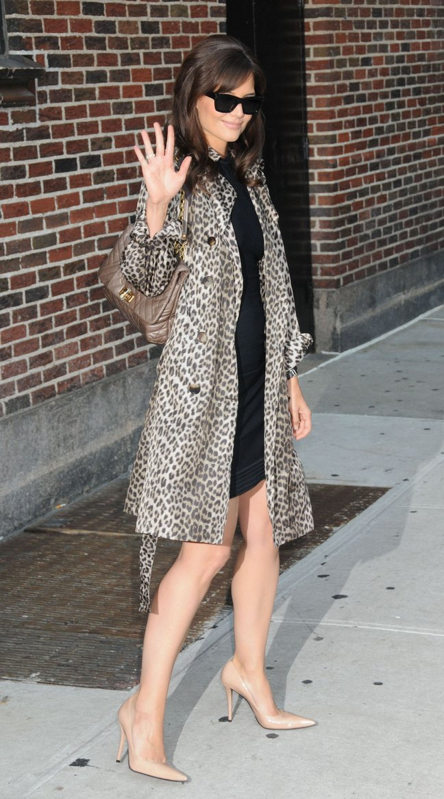 Katie Holmes, animal print coat, leopard print jacket, black dress, sunglasses