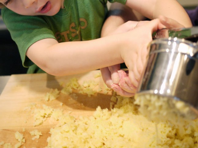 Making Gnocchi with Kids4.ricemash