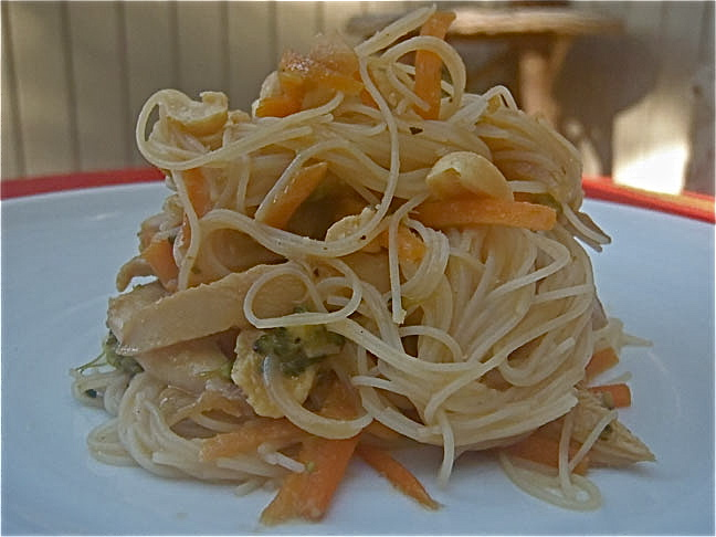 Vegetable.chic.rice noodles
