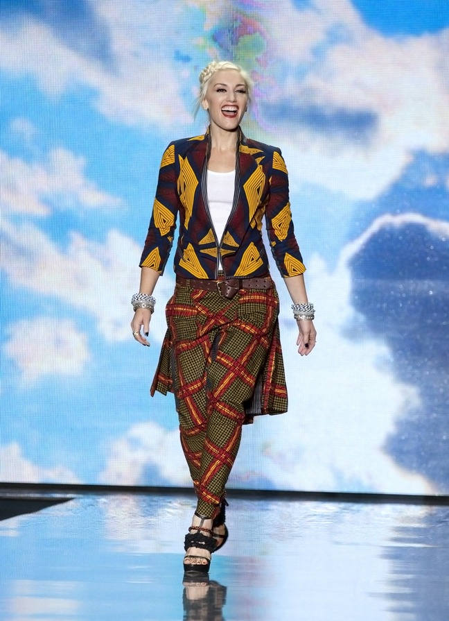 gwen stefani, lamb outfit, fashion week, runway show lamb collection