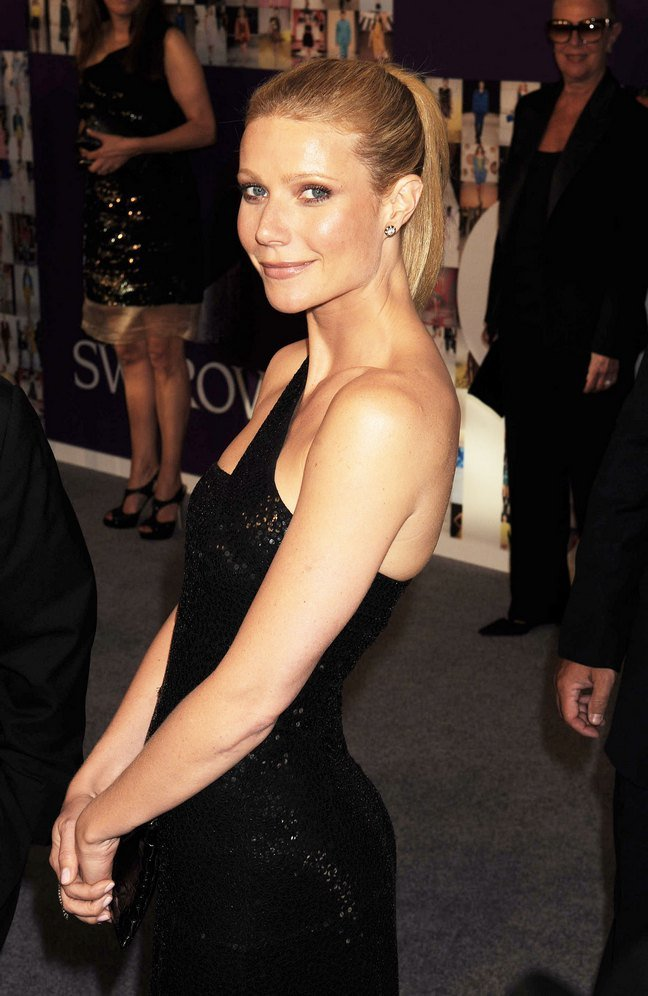 Gwyneth Paltrow, black dress, black sequin dress, one arm black dress