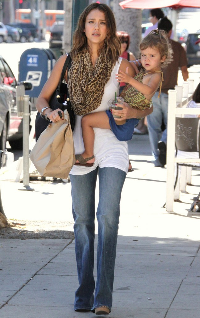 Jessica Alba, white tank top, jeans, animal print scarf, black purse, paper bag, Honor Marie,