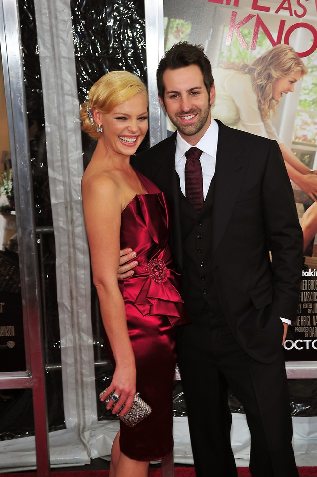 Katherine heigl, red dress, read satin dress, silver clutch, silver earrings, updo, Josh Kelly