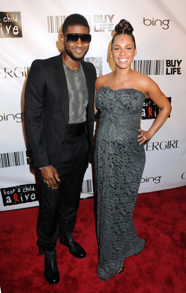 Alicia Keys, gray gown, strapless gown, strapless dress, beaded forehead jewelry, updo, earrings, Usher, black suit