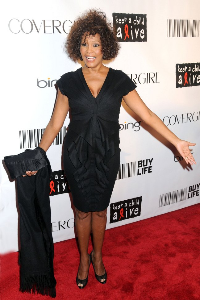 Whitney Houston, black dress, black peep toe pumps, black satin clutch, black shawl, Keep a Child Alive Ball