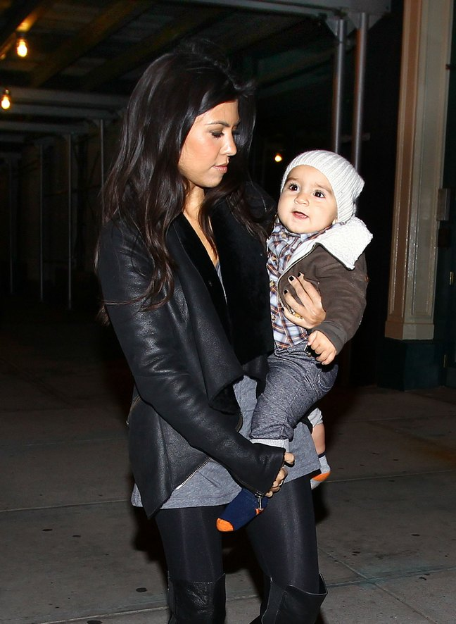 Kourtney Kardashian, black pants, black boots, gray top, gray shirt, Mason Disick