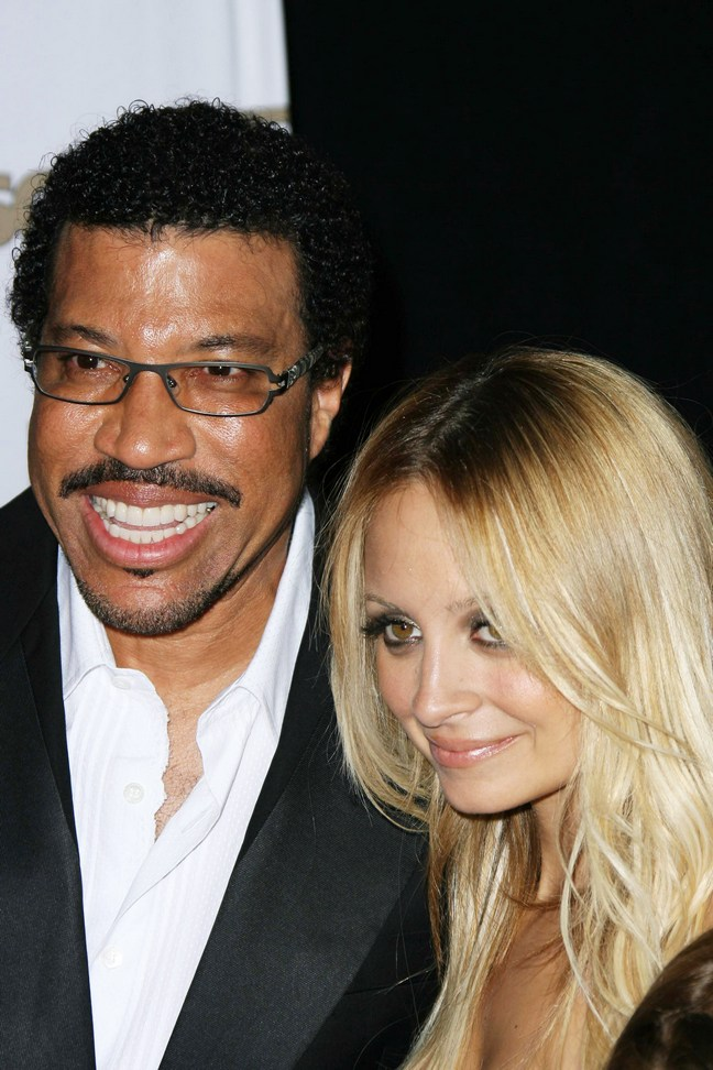 Nicole Richie, Lionel Richie, suit, red carpet