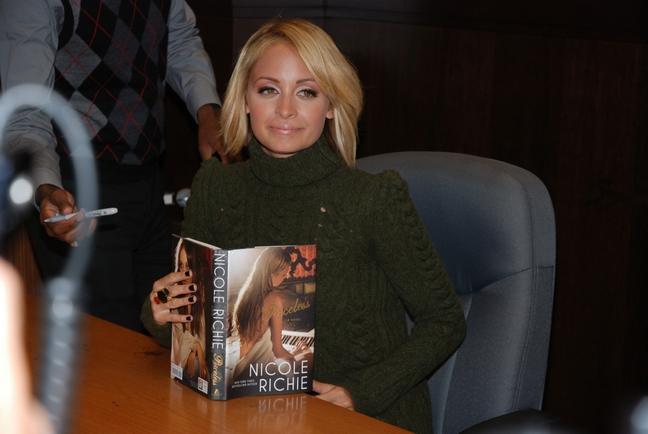 Nicole Richie, book signing, green sweater, green turtleneck sweater