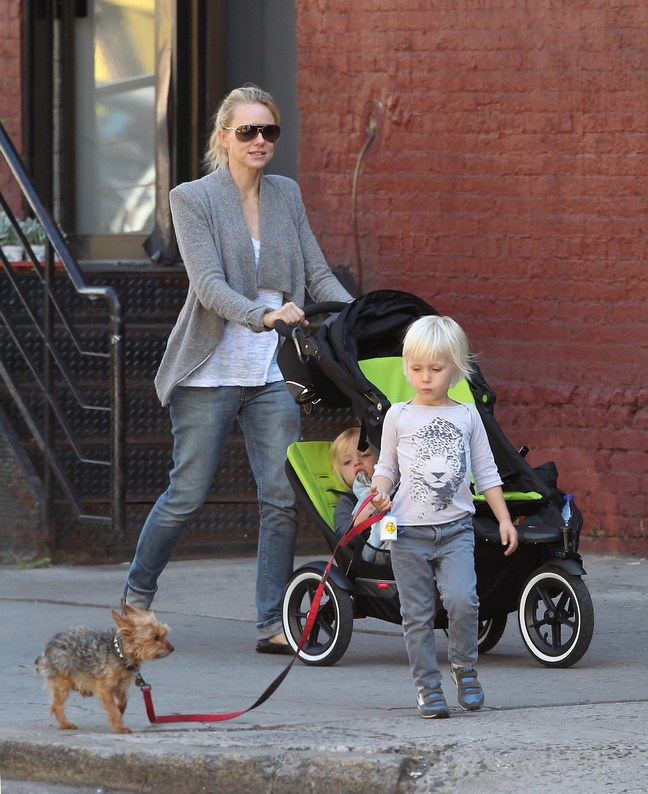 Naomi Watts, gray sweater jacket, white shirt, cuffed jeans, ripped jeans, ballet flats