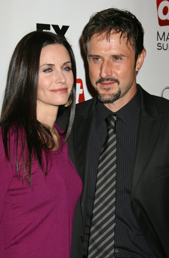 Courteney Cox, plum blouse, purple top, David Arquette