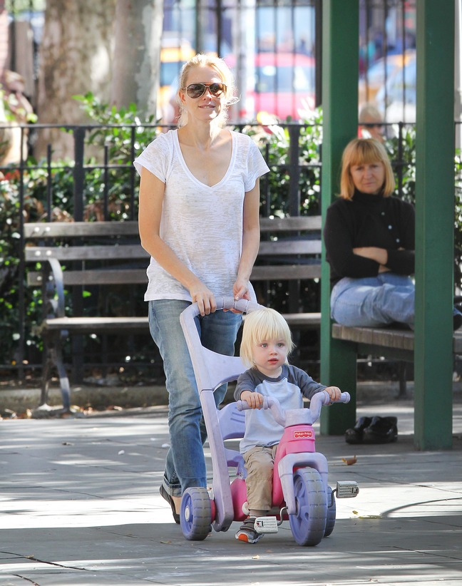 Naomi Watts, white top, jeans, stroller, sunglasses