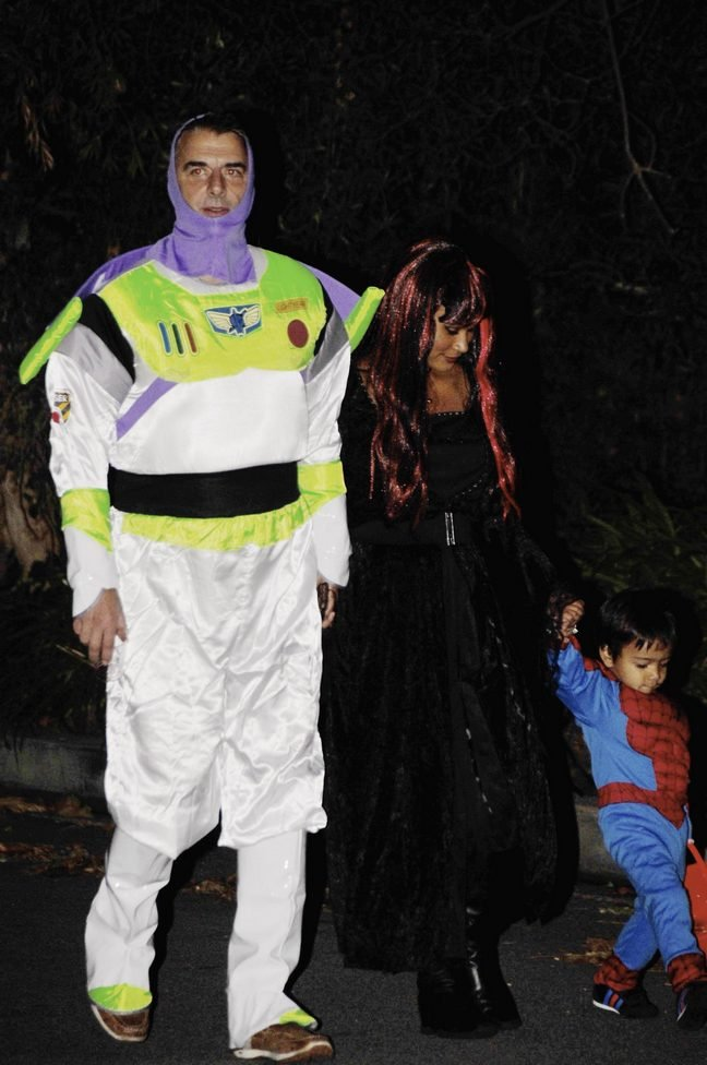Chris Noth, Buzz Lightyear costume, Halloween costume