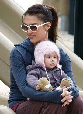 """Favorite Celebrity """"Mommy and Me"""" Activities"""