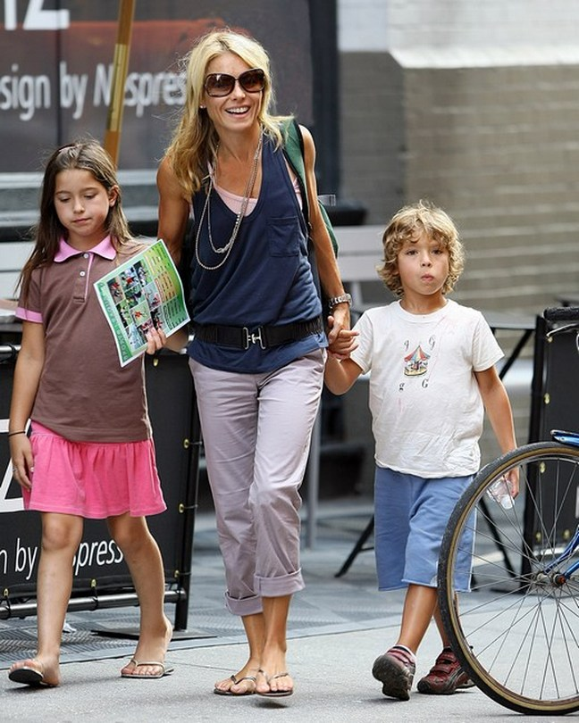 Kelly Ripa, Lola Grace and Joaquin Consuelos, Kelly Ripa, Joaquin Consuelos, mother and children, celebrity kids, celebrity children, blonde, long hair, straight hair, wristwatch, watch, flip flops, sandals, grey gray cuffed pants, grey gray cuffed trousers, grey gray cuffed slacks, sunglasses, backpack, pink tank top, black elastic belt, loose navy top